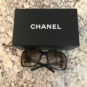 Authentic Chanel Sunglasses. Timeless!